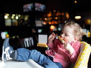 7 Golden Rules to Dining Out with Kids